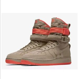 NIKE SF AF1 Air Force 1 Khaki Rush Coral Suede